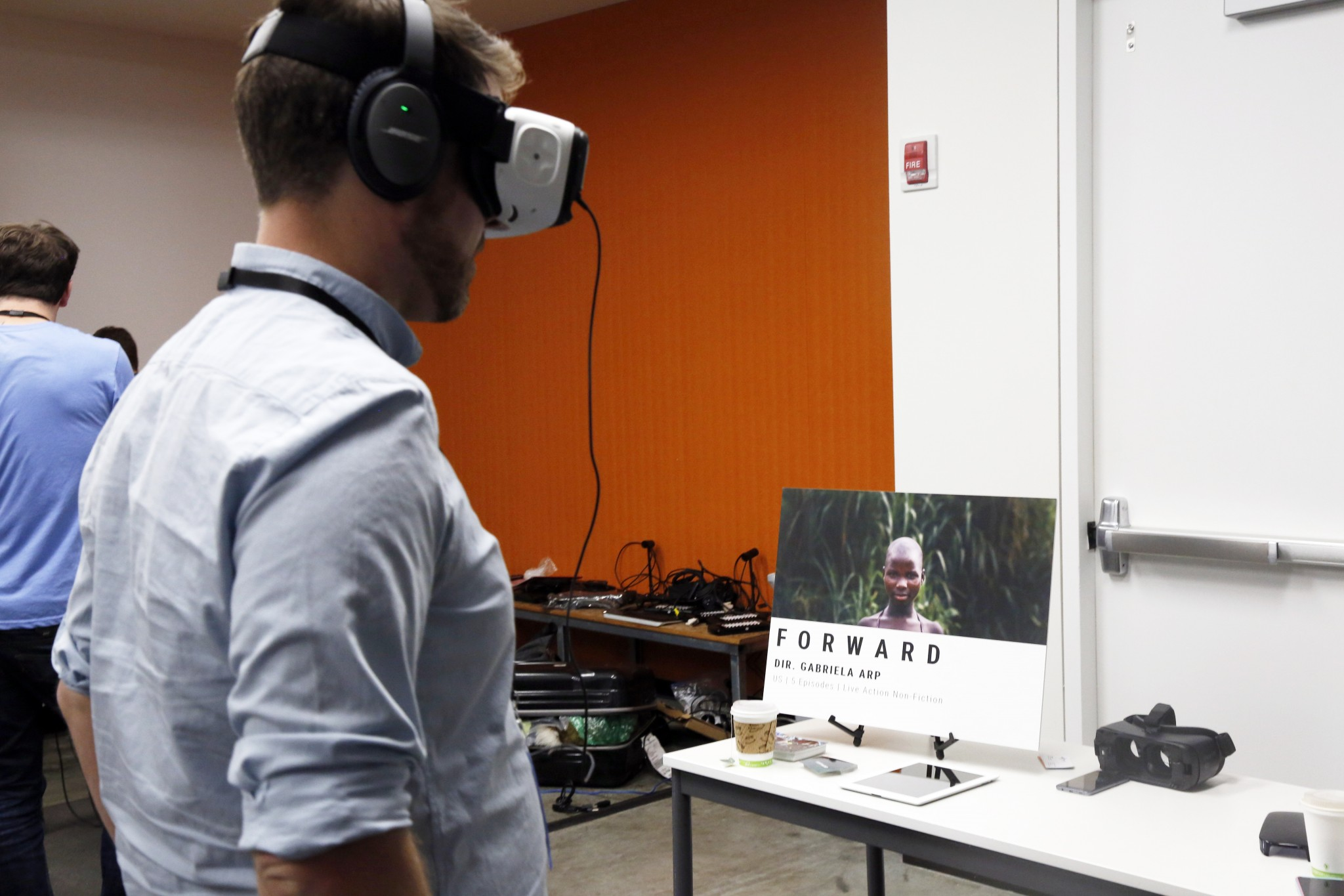 An attendee immersed in Arp's Forward demo.