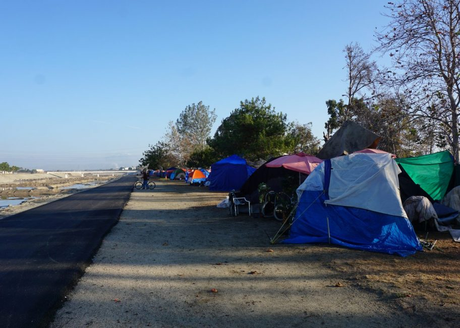 At the Santa Ana River, homeless dwellers face eviction